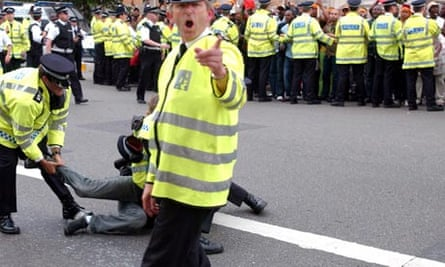 Metropolitan police kettling protesters