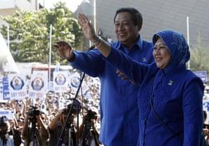 G20 partners: Indonesian President Susilo Yudhoyono with First Lady Kristiani Yudhoyono.