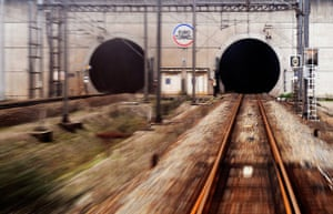 Eurotunnel : Picture of the entrance of the rail tunn