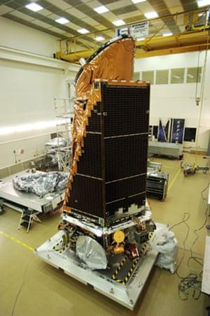 The Kepler Mission: Kepler spacecraft and photometer