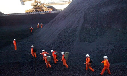 Greenpace activists disrupt coal loading in Newcastle, New South Wales