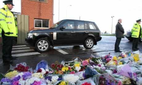 Gordon Brown's car arrives at Massereene barracks