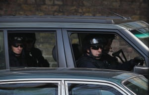 Obama goes to downing st: Security for President Obama