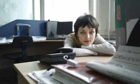 Reporter Elena Kostyuchenko in Novaya Gazeta's offices
