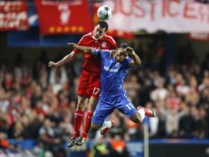 Chelsea v Liverpool: Arbeloa and Drogba