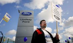 Visteon protester outside Ford showroom in Belfast