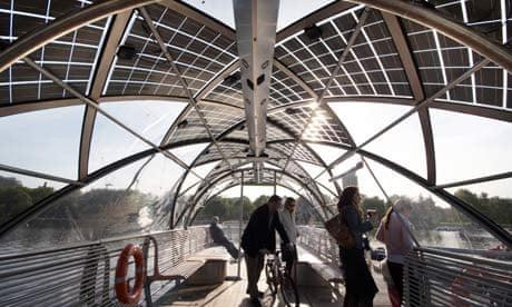 Solar power companies in plea to maintain green jobs