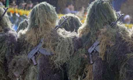 Iranian snipers in full camouflage