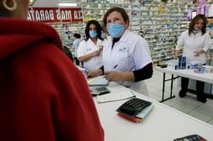 Swine flu: swine flu fears spread throughout Mexico