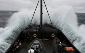 Steve Irwin navigates through swells in Antarctica