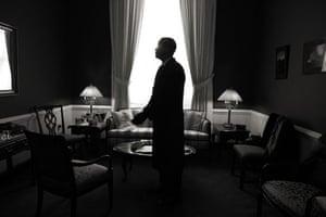 obama 100 days : behind the scenes of president barack obama's inauguration