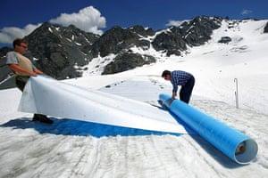 Glaciers under treat: Switzerland - Environment - Global Warming - Glacier