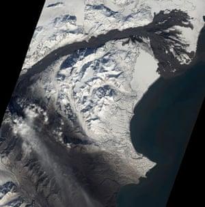 Satellite Eye: Alaska's Mount Redoubt muddy volcanic avalanches through Drift River Valley
