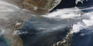 Satellite Eye: A thick band of haze blew over the Sea of Japan