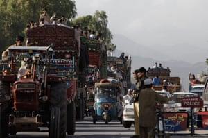 Pakistan Swat exodus: Refugees flee fighting in the north west frontier province of Pakistan,