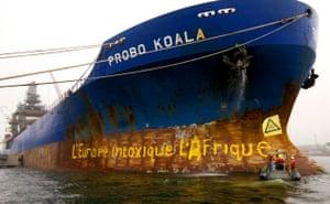 Toxic waste investigation: Greenpeace Painting the Probo Koala
