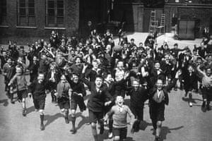 School uniforms: 1931: Boys at the Hugh Middleton school as the school holidays begin