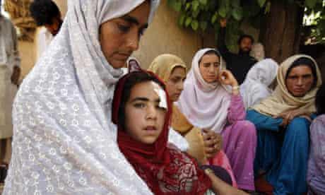 Hussain Bibi and her daughter