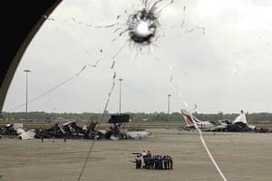 Tamil Tigers surrender: Tamil Tigers atack Bandaranaike International Airport in 2001