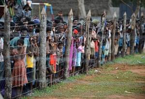 Tamil Tigers surrender: Displaced Sri Lankan Tamil civilians at Kadirgamh camp