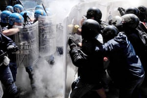 20 May 2009: Turin, Italy: Students and police clash
