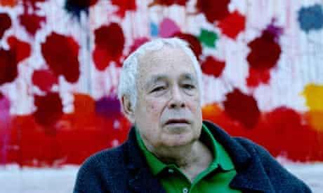 Howard Hodgkin, in his studio