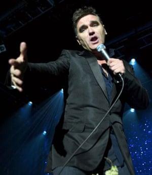 Morrissey: 17 April 2004: Morrissey reaches out to fans