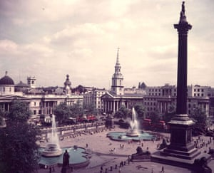 Trafalgar Square fountain: 1945: Trafalgar Square with the two fountains in operation