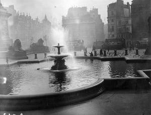 Trafalgar Square fountain: Trafalgar Square