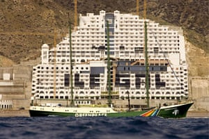 Spanish coastlines: 2007: Scores of Greepeace activists at the hotel Azata del Sol