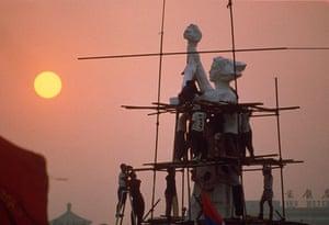 Tiananmen Square: Students build a replica of the Statue of Liberty in Tiananmen Square