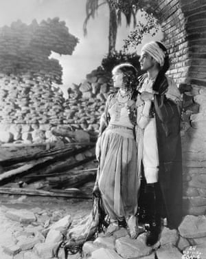 Hooray for hollywood: Vilma Banky and Rudolph Valentino in Movie Still