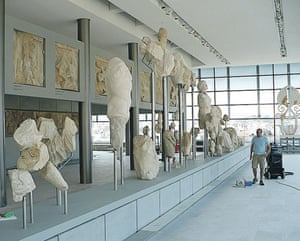 Acropolis Museum: Originals and plaster casts of material
