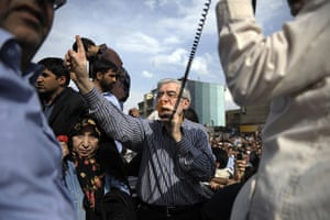 Tehran protest: Mir Hossein Mousavi addresses supporters