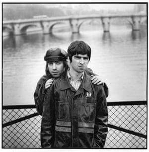 Jill Furmanovsky Oasis: Liam and Noel in Paris