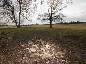 Extreme weather: Lack Of Rain Dries Up Thames Source