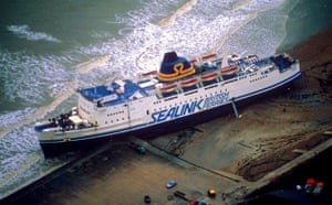 Extreme weather: Aftermath of Hurricane Storm, Britain - Oct 1987