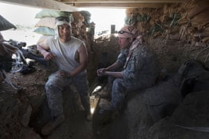Sean Smith Afghanistan: Soldiers from Blackfoot Company man an observation post at Malakh
