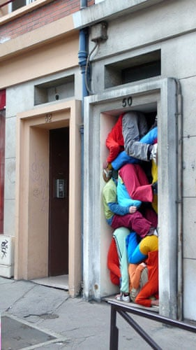 Willi Dorner's Bodies: Willi Dorner's Bodies In Urban Spaces: Rouen, France