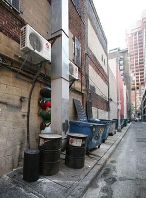 Willi Dorner's Bodies: Willi Dorner's Bodies In Urban Spaces: Philadelphia, USA
