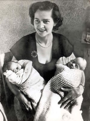 Margaret Thatcher 1953 Aged 28 With Her Twins Carol And Mark