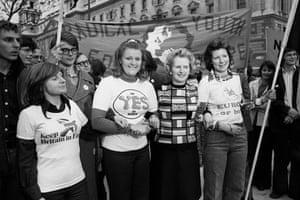 Margaret Thatcher: 1975: Margaret Thatcher with pro Common market campaigners