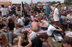 First day at Glastonbury: crowds in the sun at Glastonbury