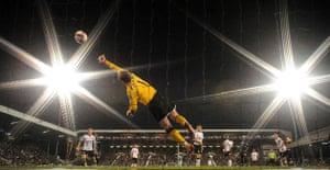 Barclays Sport Photos: Mark Schwarzer dives
