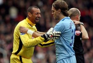 Barclays Sport Photos: Jonathan Woodgate consoles Heurelho Gomes