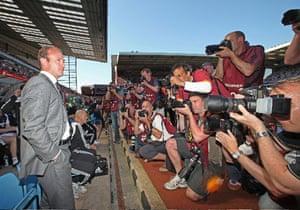 Barclays Sport Photos: Alan Shearer faces the photographers