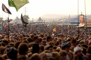 Glastonbury crowds: Glastonbury crowds lady gaga