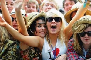 Glastonbury crowds: Glastonbury crowds front row day 2