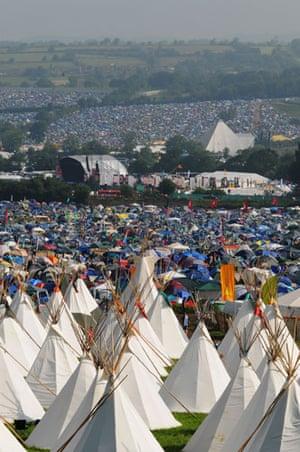 Glastonbury crowds: Glastonbury crowds tipis camping