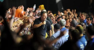 Bruce Springsteen: Bruce Springsteen amongst the crowd